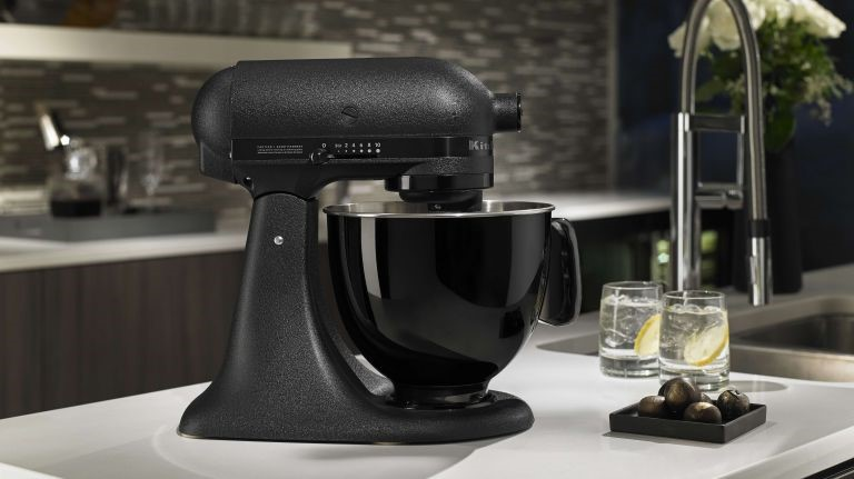 A High-Quality Stand Mixer for Your Everyday Kitchen Needs